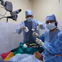 手術場で使用中の「竹ガーゼ」
